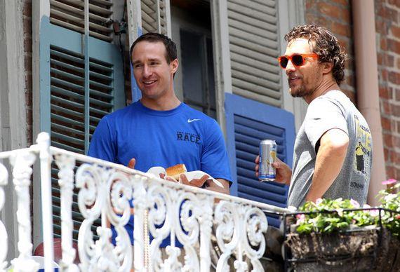 09-brad-pitt-tosses-beer