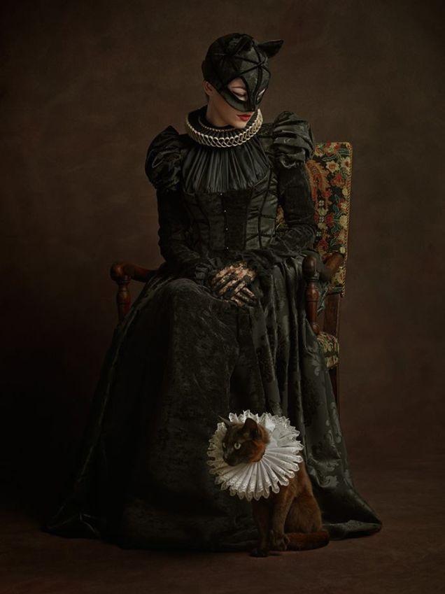 16th-century-portrait-cosplay-catwoman