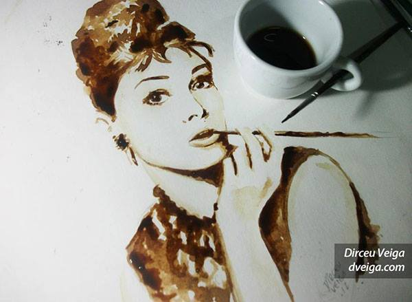 audrey-hepburn-painting-coffee-art