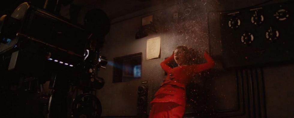 Tarantino lassít