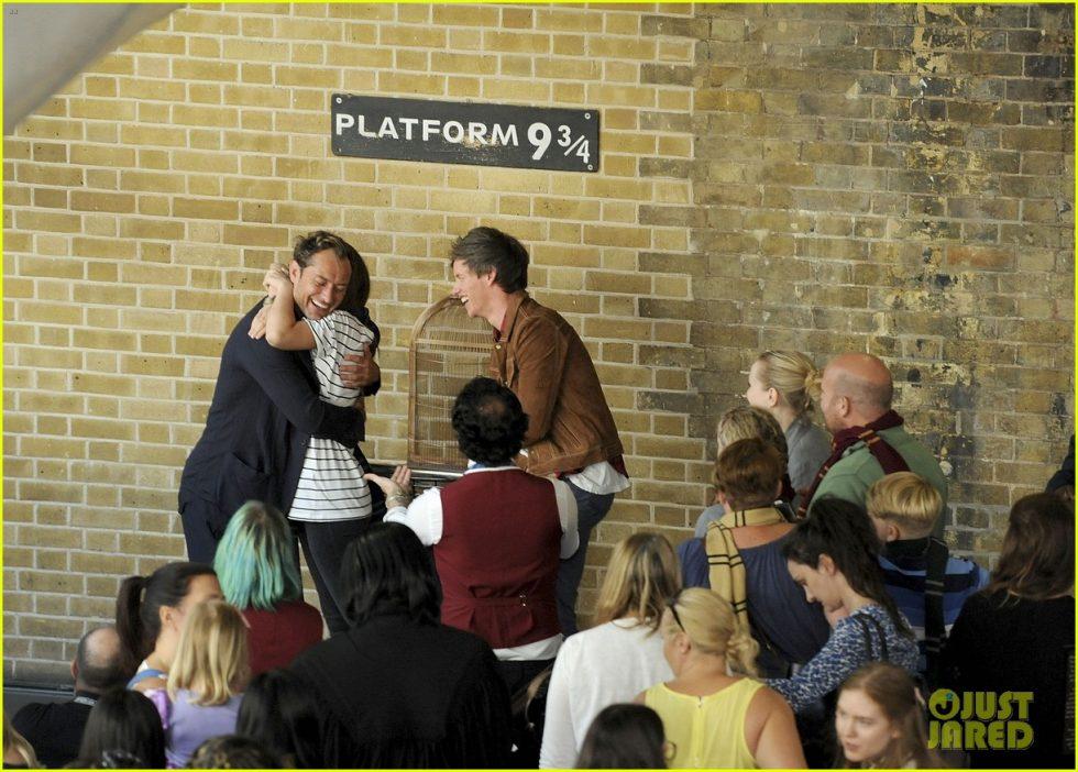 jude law eddie redmayne hogwarts day 01